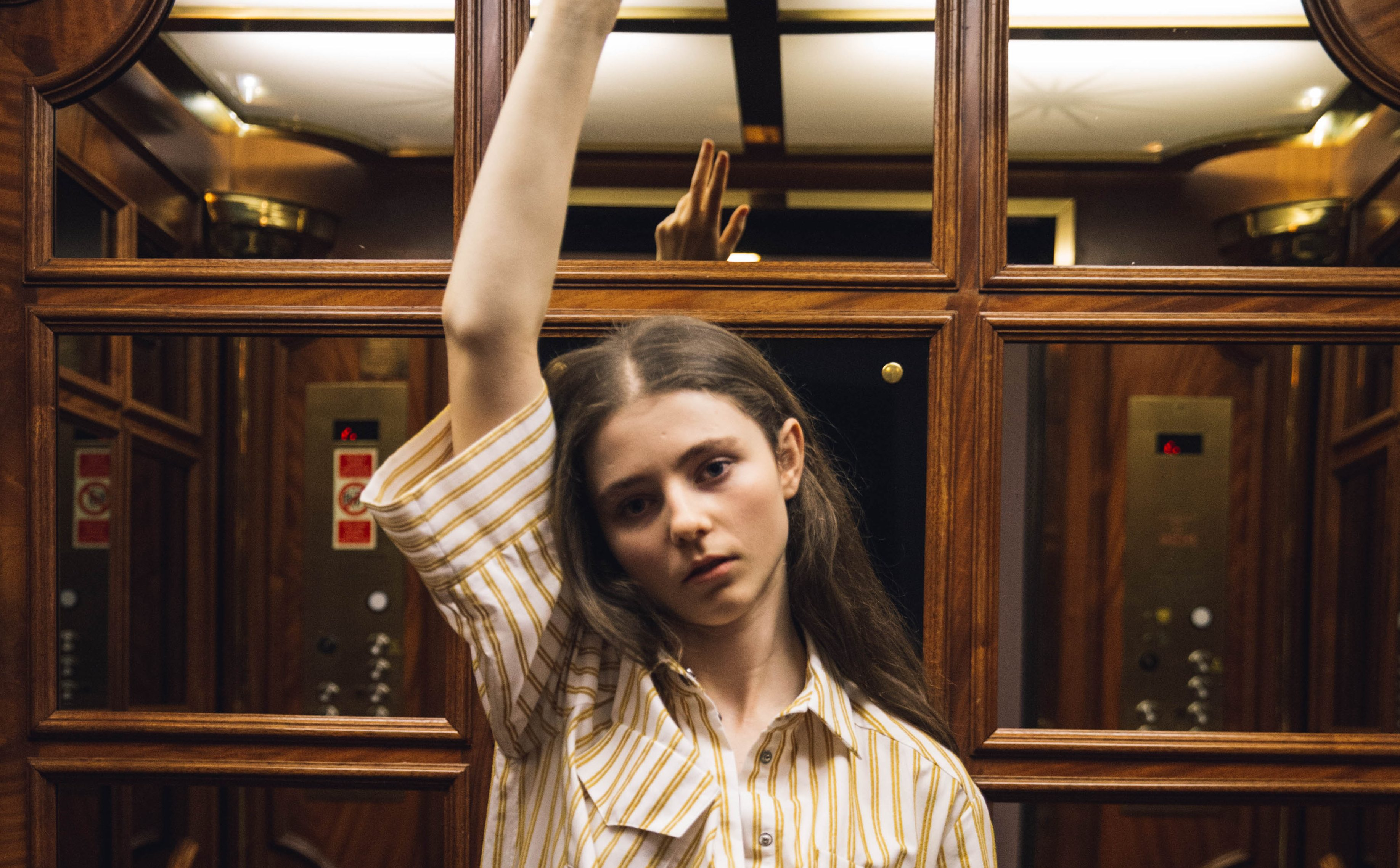 Interview: Thomasin McKenzie on LEAVE NO TRACE & Netflix's THE KING